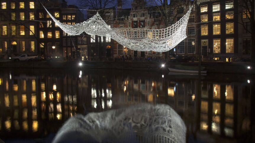 "Die Installation ""The Lace"" beim Lichfestival in Amsterdam."