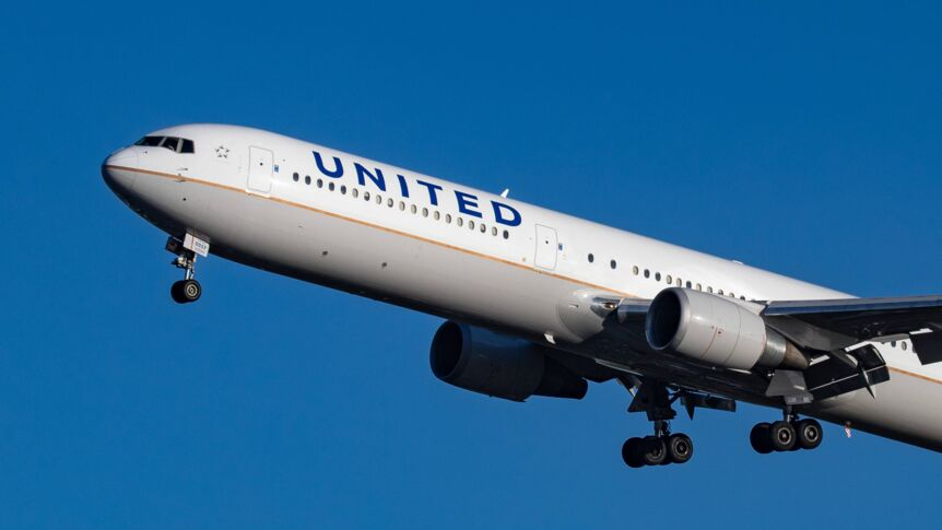 United-Airlines-Boeing 767-400 ER im Flug.
