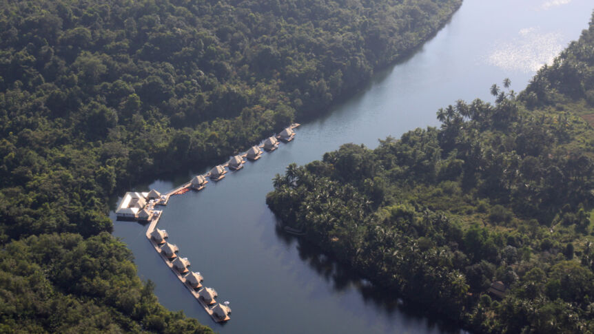 """4 Rivers Floating Lodges"" in Kambodscha inmitten der Natur auf einem Fluss im Kardamongebirge"