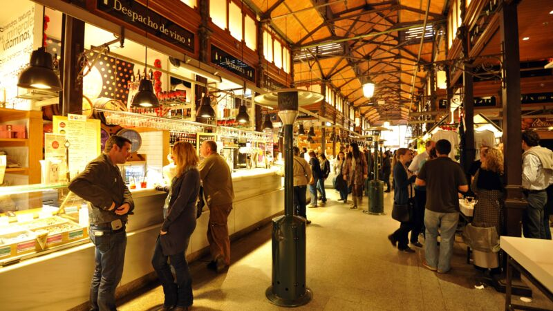 Der Mercado San Miguel in Madrid.