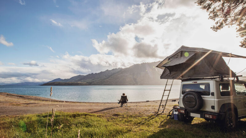 Camping am Lake Hawea in Neuseeland.