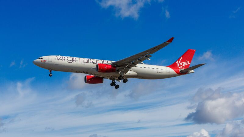 Virgin-Atlantic-Maschine in der Luft.
