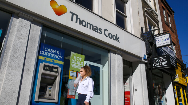 Ein Reisebüro von Thomas Cook in London, England.
