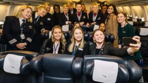 Geballte weibliche Kompetenz: Insgesamt 61 Frauen begleiteten den British-Airways-Flug zum internationalen Frauentag 2018 vom Check-in bis zur Landung.  © Stuart Bailey