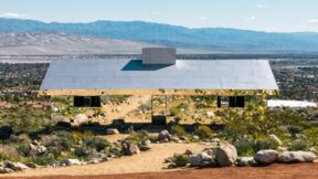 "Eine Fata Morgana? Nee, das ist Kunst! ""Mirage"" von Doug Aitken. © Lance Gerber, Courtesy of the artist and Desert X"